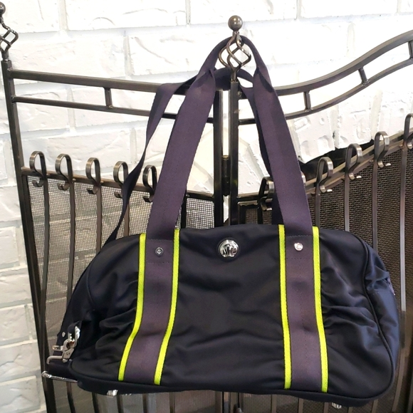 🧘🏻‍♀️LULULEMON 🏃🏻‍♀️Nylon Gym Yoga Duffel Bag